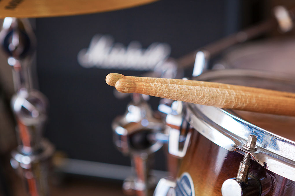 Close up drumsticks trommel