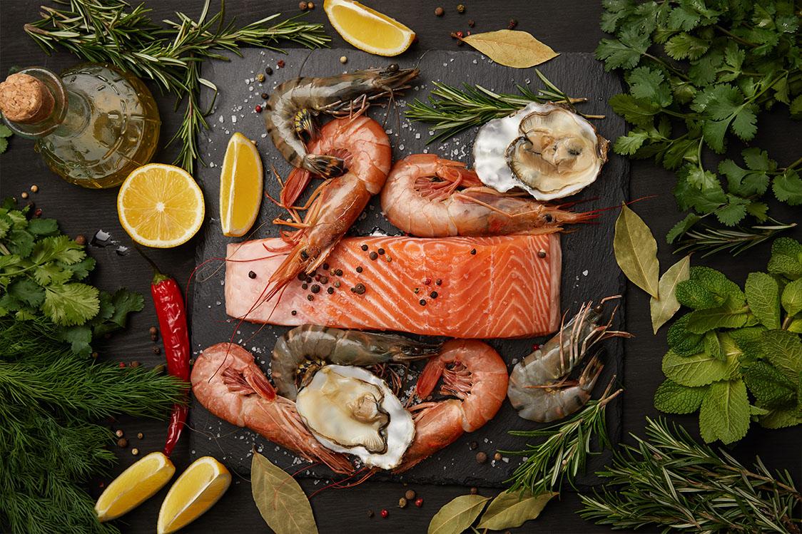 Rauwe zalm en diverse zeevruchten